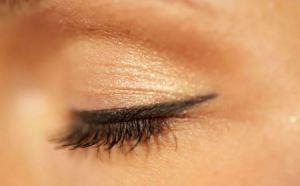 Eyeliner Tips for Spring